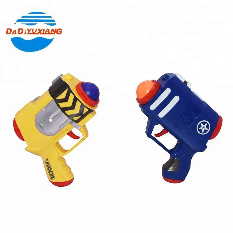 Nhựa trẻ em vs trò chơi hai món đồ chơi súng paintball với bát và quả bóng