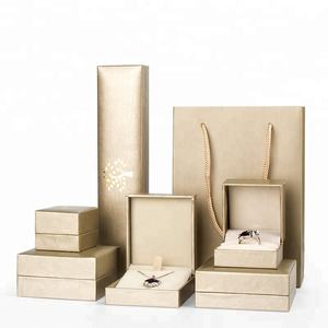 Hot Stamp Elegant Packaging Paper Jewelry Box for Necklace Ring Earring Gift Bag