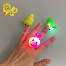Wholesale Novelty Flashing LED Smiley Face Ring for Party Favor