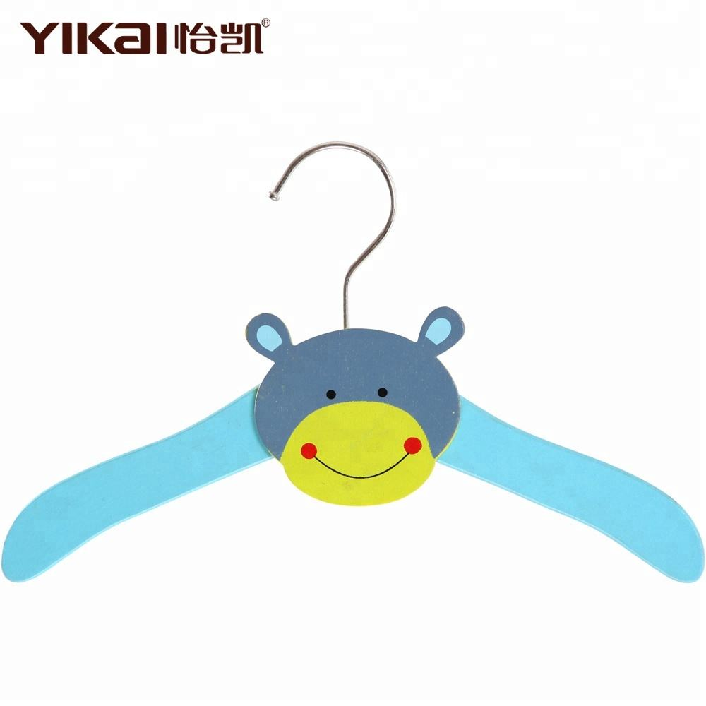 Animal carton wood baby clothing hangers in colorful