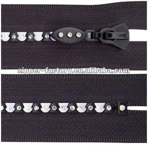 Wholesale Price Fashion Style Fancy Custom Plastic Diamond For Clothes Zipper Nylon Zipper Rhinestone Zipper