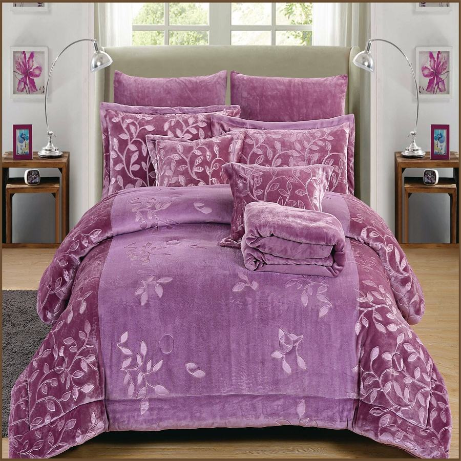 3D Embossed Yarn Dyed flannel fleece comforter/quilt 8pcs bedding set offered by MeiYiLai Home Textile