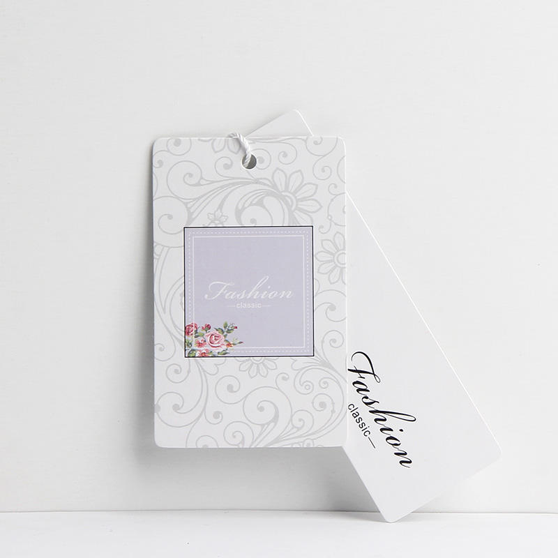 2018 custom design white paper hangtag for dress clothing