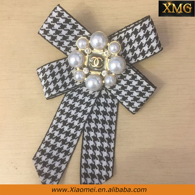 New style luxurious pearl crystal rhinestone fancy brooch plaid ribbon bow brooch for women's dress