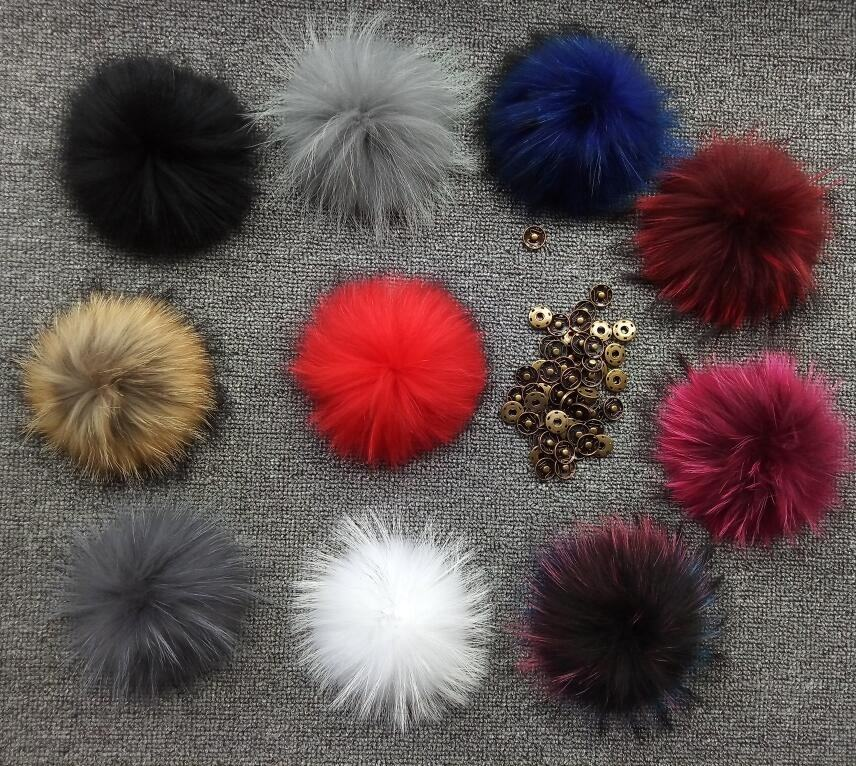 Factory wholesale natural or multi color detachable large raccoon fur pompon pom poms with snaps