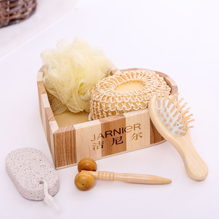 Wholesale Bath and Body Gift Sets promotional bath set in wooden bag