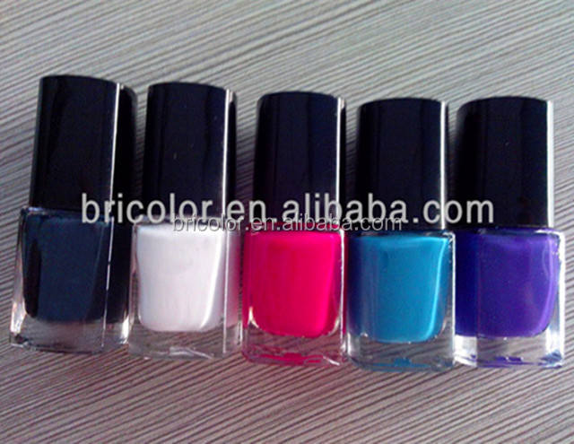 Peeling Off Nail Polish a base di Acqua