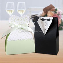 Bride and groom wedding favor gift paper box