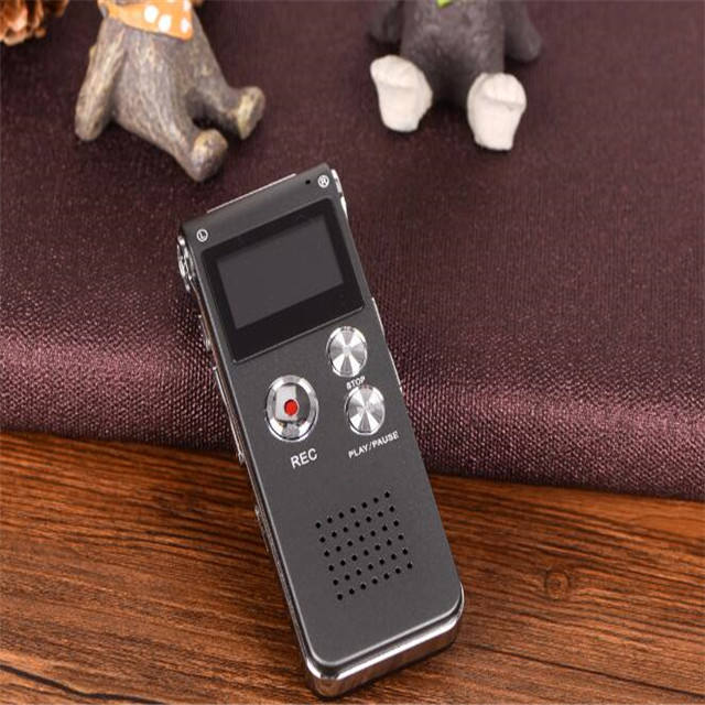 Wholesale High quality digital voice recorder 8GB Mini USB Flash Digital Audio Voice Recording 650Hr Dictaphone MP3 Player Black