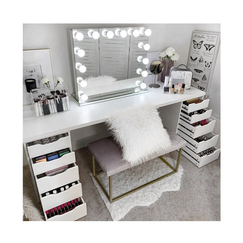 China Fashion craftman style white light latest Simple Atmospheric Bedroom Dressing Table Wooden used in wedding room