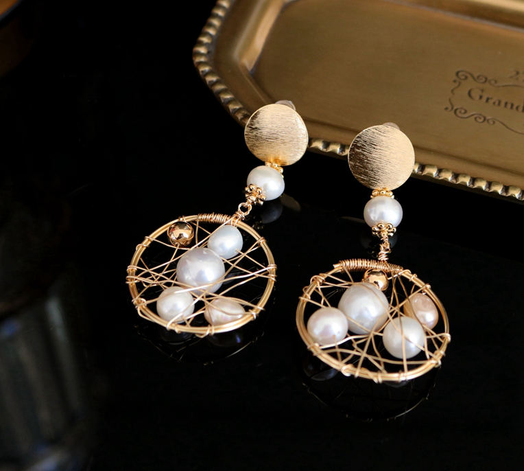 New design of Female Korean Pendant earings Pearl Personality trendy Autumn and Winter Baroque Court style earings