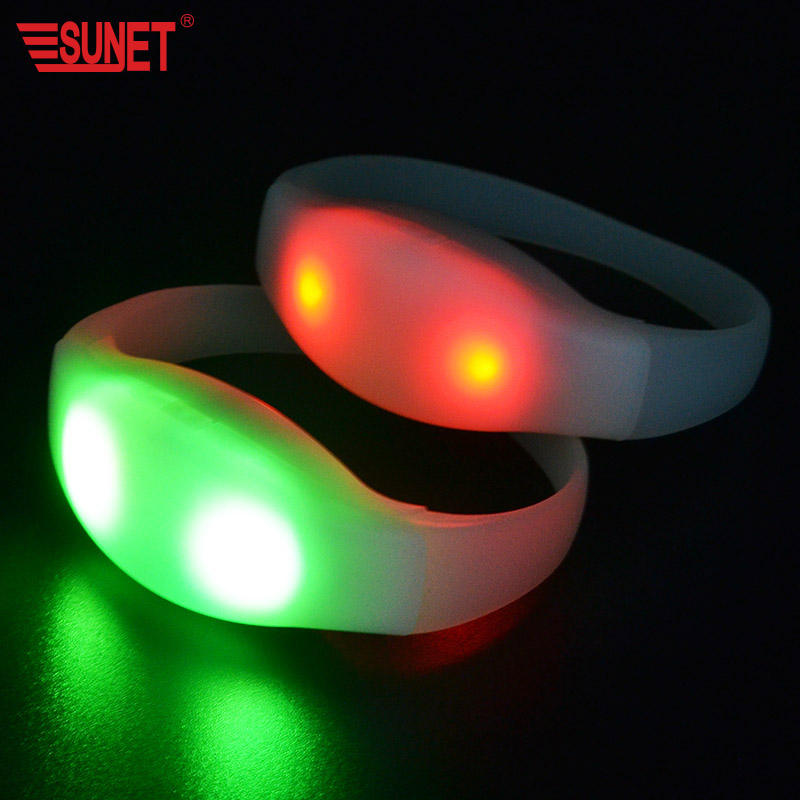 SUNJET 2020 Hot Sell New Remote Controlled Led Flashing Bracelet