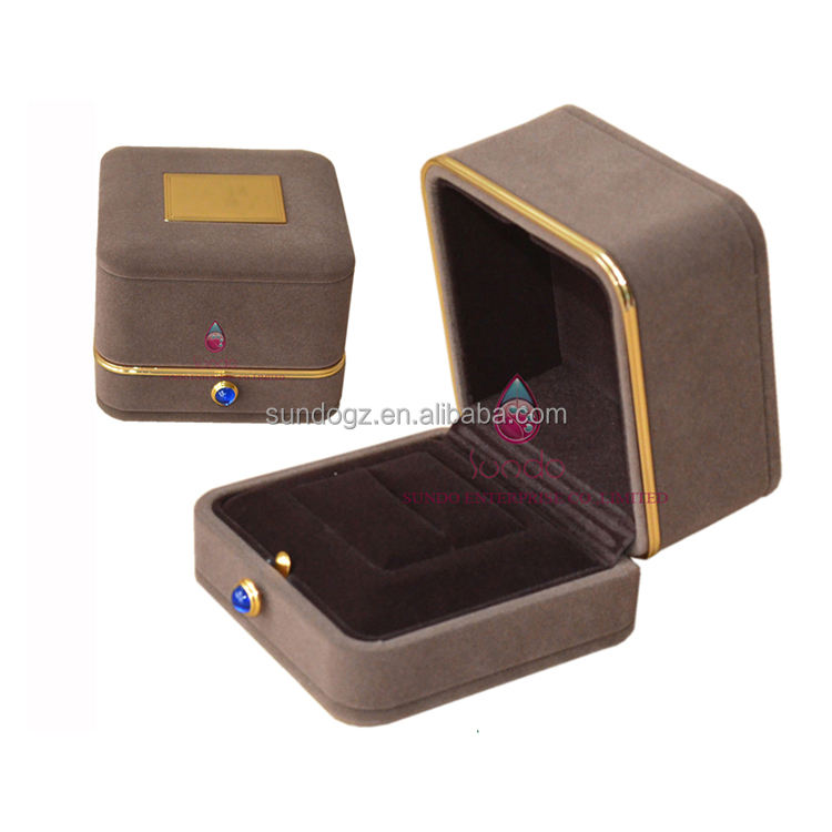 luxury with metal plastic jewelry packaging box velvet ring case