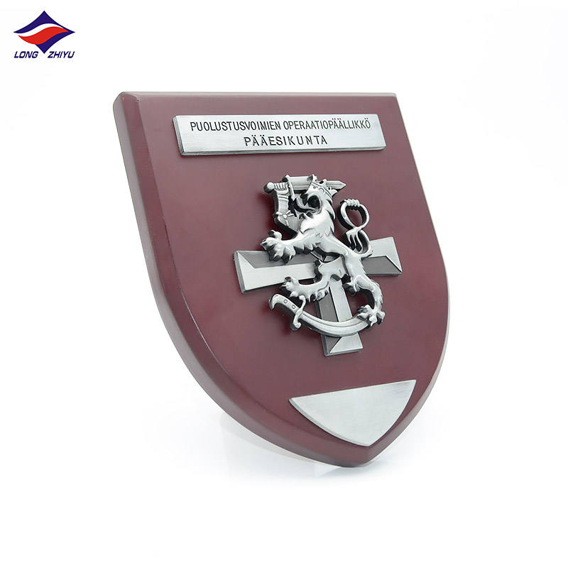 Longzhiyu 12years manufacturer custom metal souvenir plaque customised decorative metal military shield