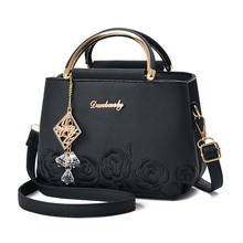 Embroidered PU Women's Bags Factory Direct Sales 2019 Spring and Summer Fashion New Iron Handbags