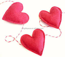 2018 new fancy hotsale diy craft handmade wholesale China fabric Xmas party supplies red garland felt inflatable valentine heart