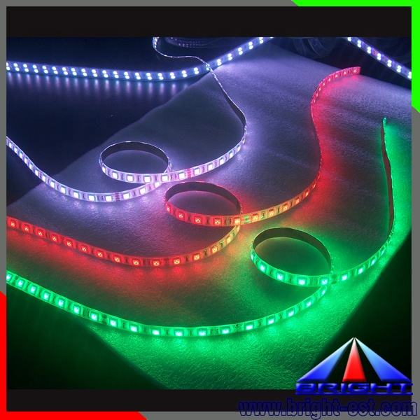 CE RoHS CertificationとPW CW WW G R Y <span class=keywords><strong>B</strong></span> Emitting Color 5050 LED Strip