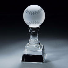 Supplying sports gifts tennis ball crystal trophy