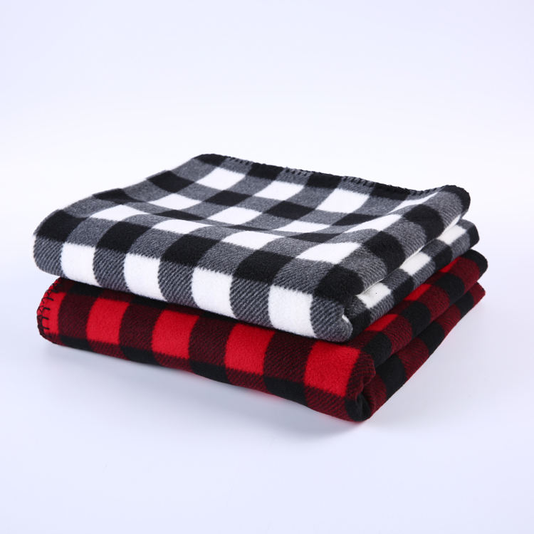 Free sample black white red color knitted polar throw fleece plaid blanket