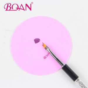 2019 BQAN Round Food Grade Red Small Size Practice Custom Logo Nail Silicone Pad