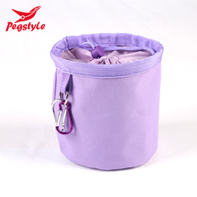 Hot sale wholesale portable plastic pegs basket drawstring hanging peg bag with 60 pieces wooden pegs 90105