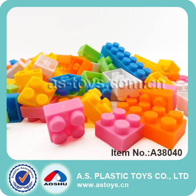 Drôle de forme de la bouteille raccord2 jouets en plastique blocs qui s'ouvrent