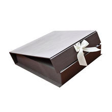 Custom wedding dress paper gift boxes magnetic with ribbon