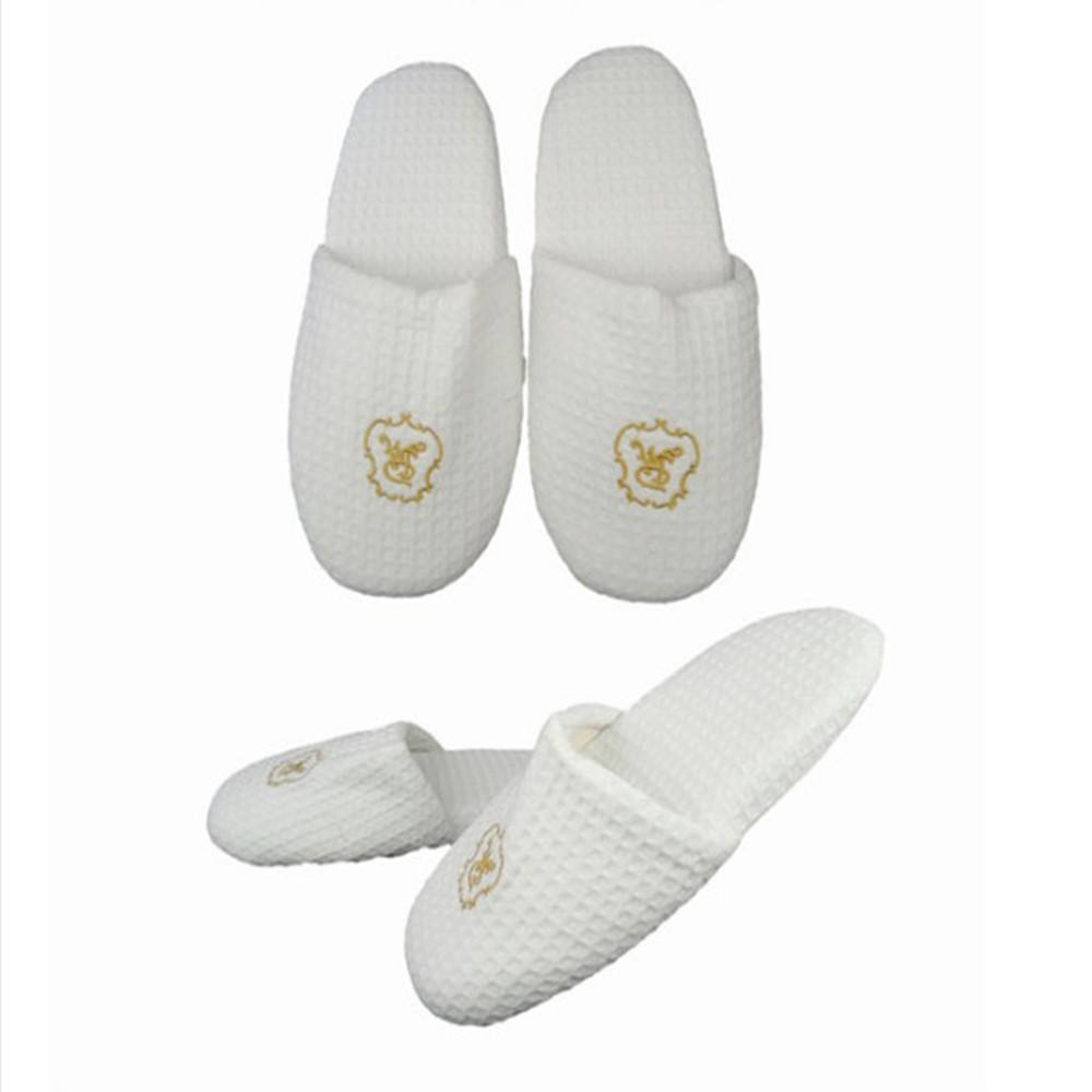 Manufacturer Wholesale 5 Star customized White disposable Hotel bathroom Slipper