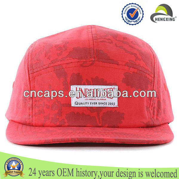 rojo personalizado etiqueta tejida flatbill 5 paneles casquillo del algodón