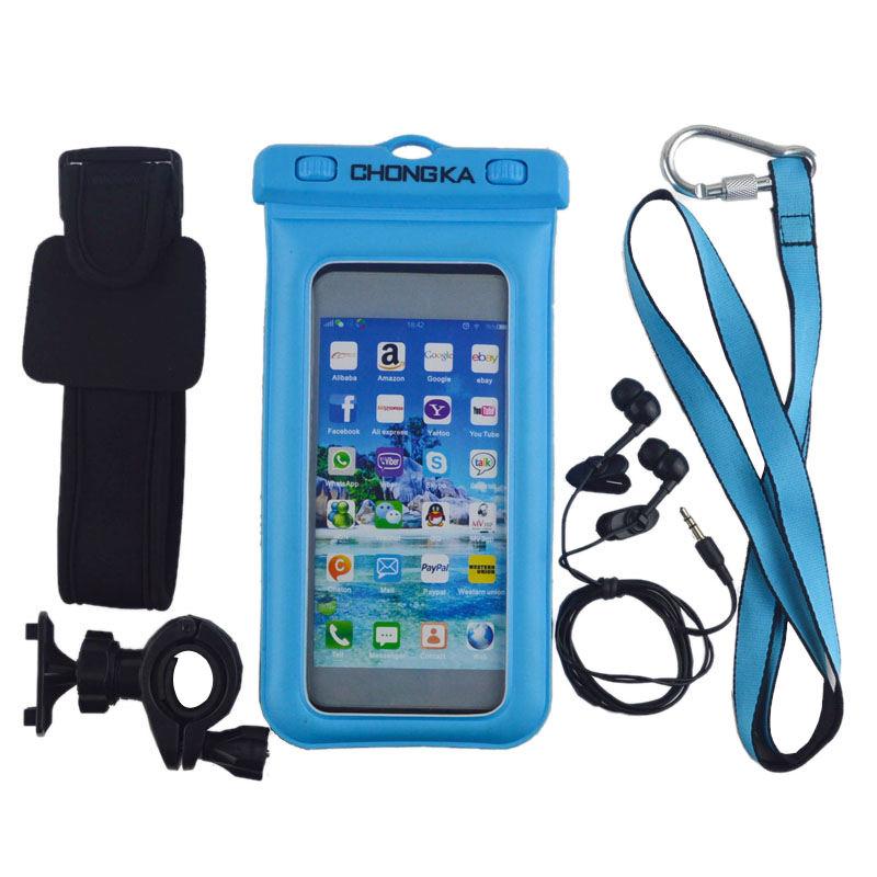 Pour la plongée nautique cas de téléphone cellulaire étanche avec des écouteurs