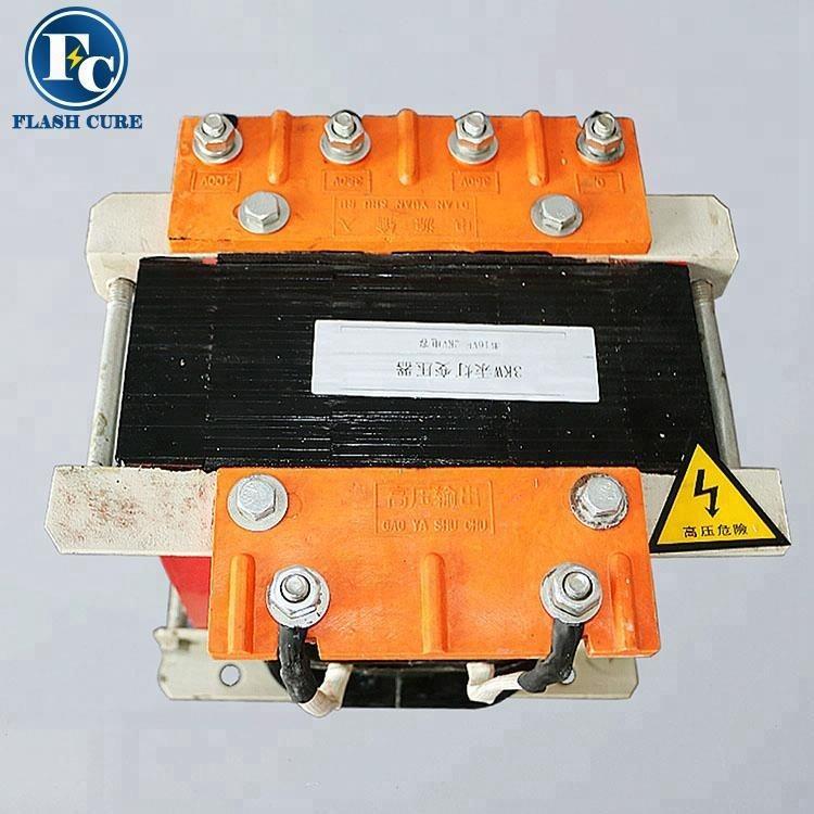 Precio de fábrica lámpara uv transformador 380 V a 220 V para <span class=keywords><strong>transformadores</strong></span> eléctricos partes