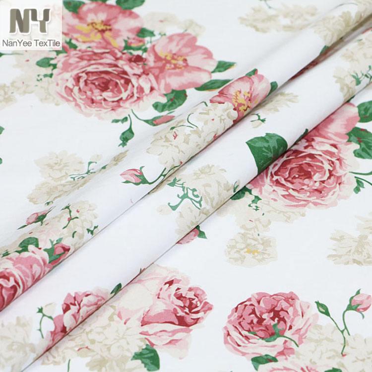 "County Rose blue /& white floral fabrics 100/% cotton 58 /"" wide per half metre"