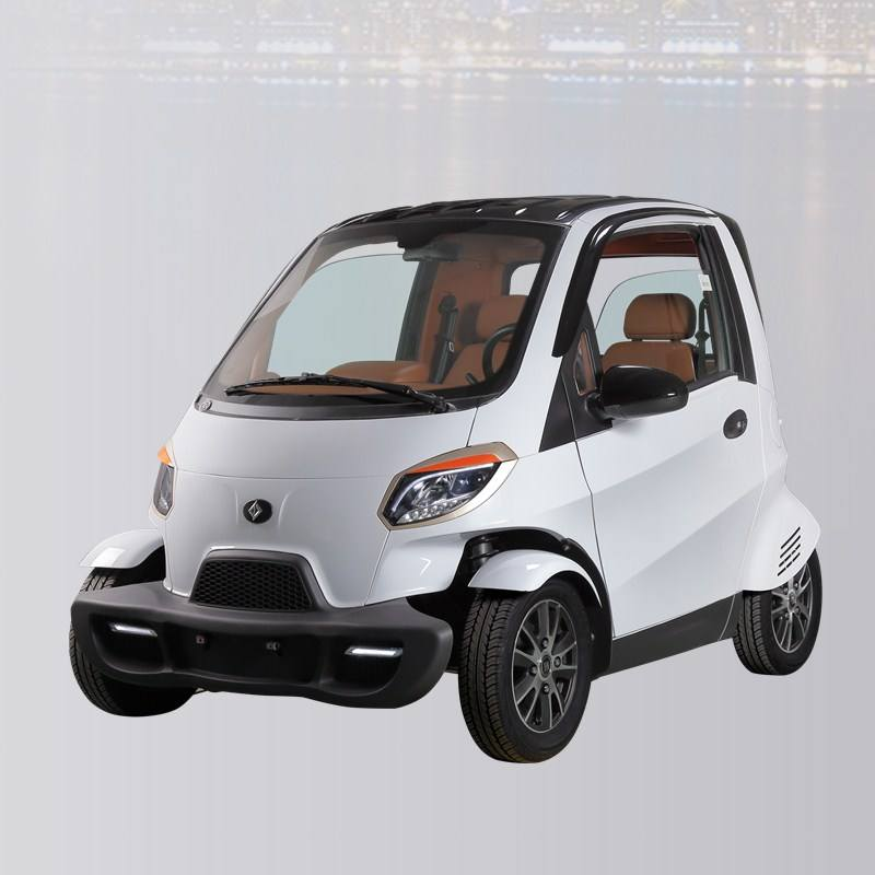 """New condition EEC 60v 4kw electric car """