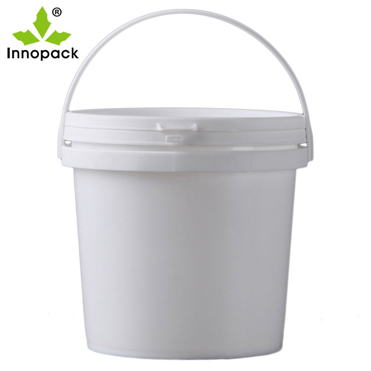 China factory Supply round 4 Liter Plastic Bucket HDPE 4L Pails with lid , food grade plastic buckets