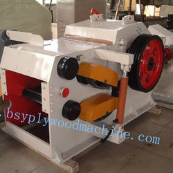 Wood drum crusher