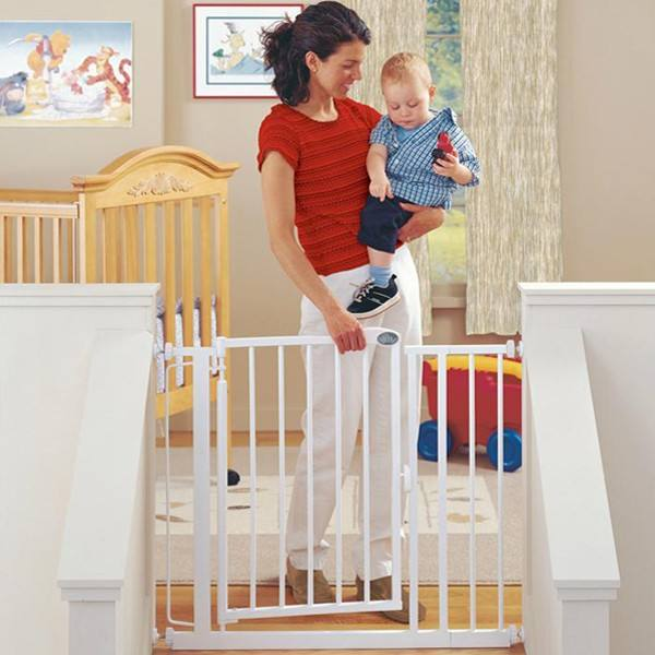 Mamakids SG-01 with CE standard retractable child safety gate