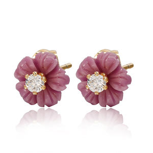 98582 Xuping jewelry fancy stud earrings fashion flower shaped 18K gold plated stud earrings for women