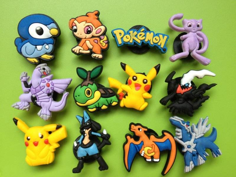 pokemon scarpa charms