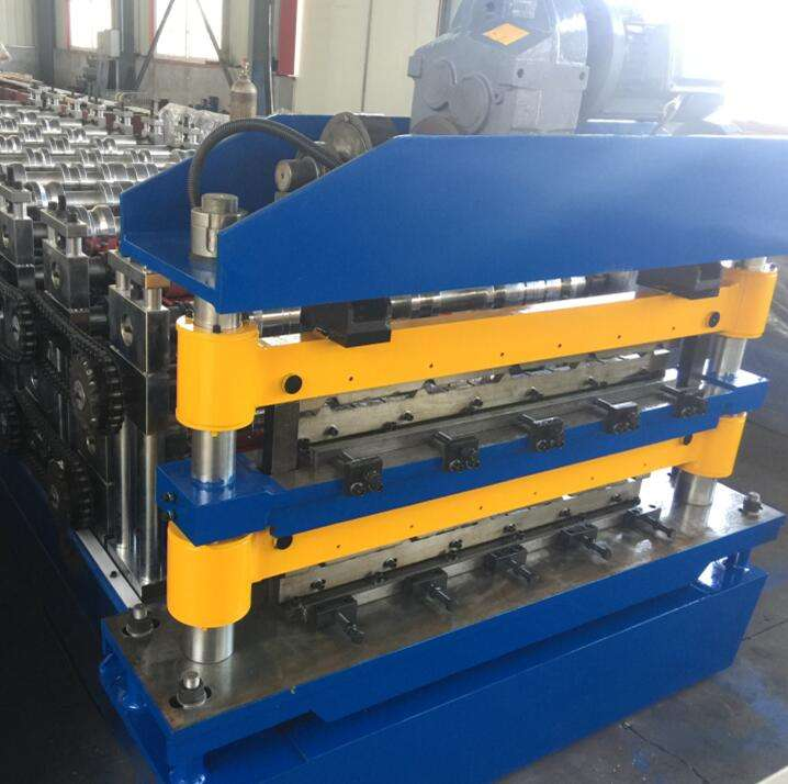 Automatic steel tile cutting machine Galvanized Ridge cap zinc roofing sheet roll forming machine