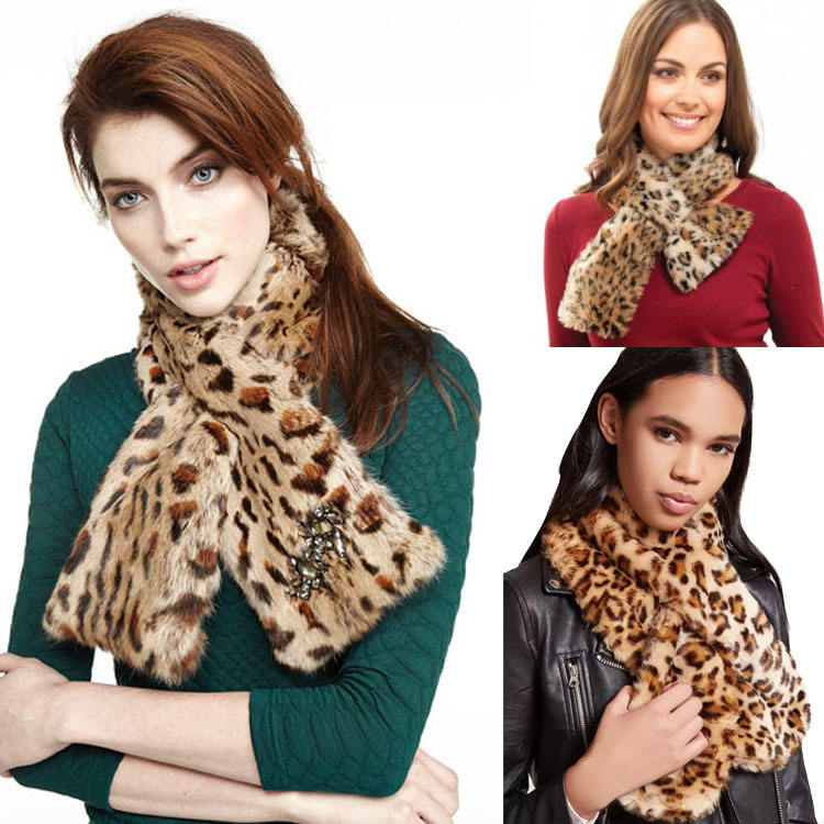 Factory Price Ornamental Scarf With Real Fur Pompom