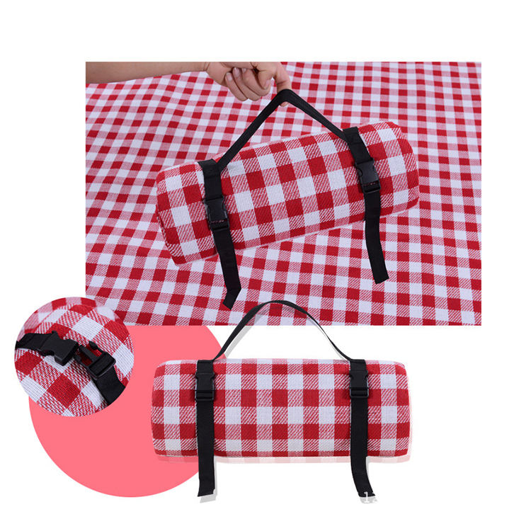 High Quality Comfortable Folding Padded Beach Picnic Mat