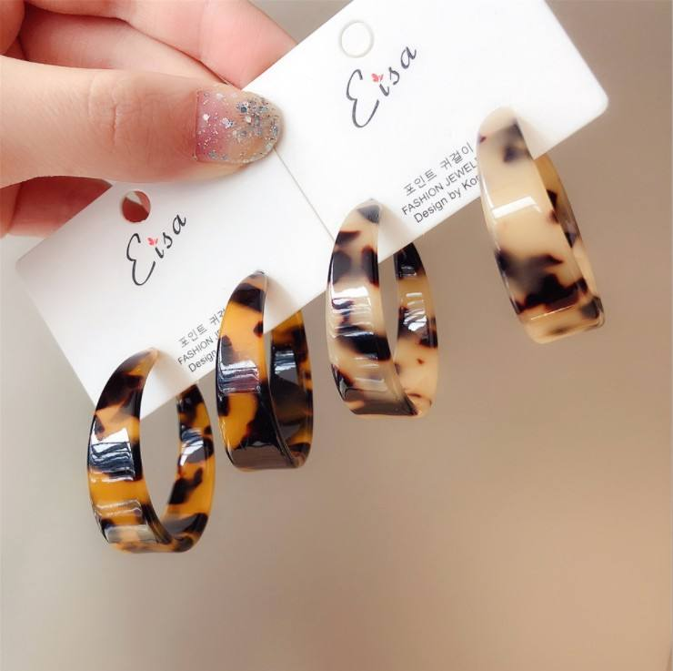 fashion women jewelry simple plastic amber hoop earrings acetate tortoise shell stud earrings for women with C shaped design