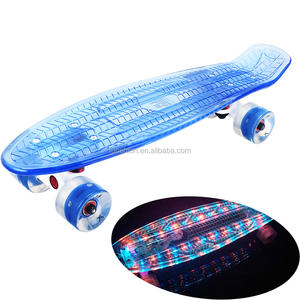 2020 neue LED Skateboard transparent skate bord licht deck mit blinkende LED räder