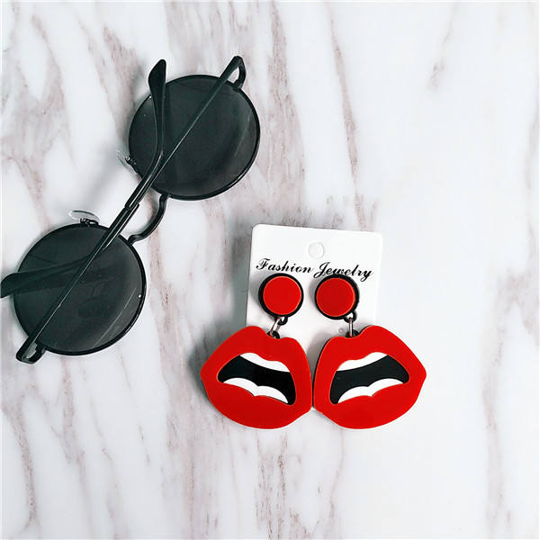 2017 YIWU UK Women's Fashion Sexy Big Red Lips Stud Earrings Acrylic Large Punk Rock Mouth Dance Bar Big Earrings