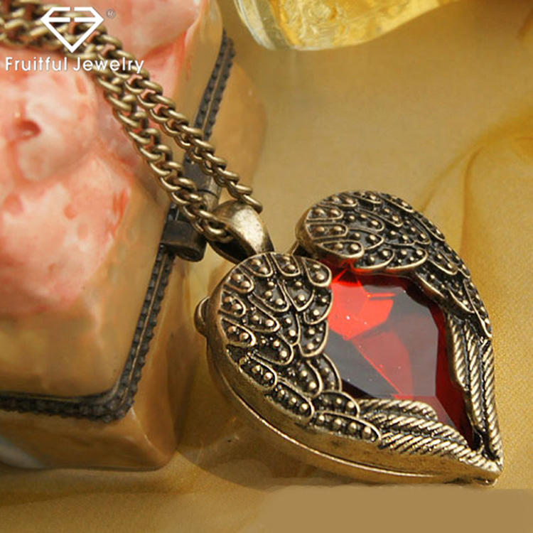 fashion jewelry manufacturers red diamond wings heart locket necklace love necklace pendant