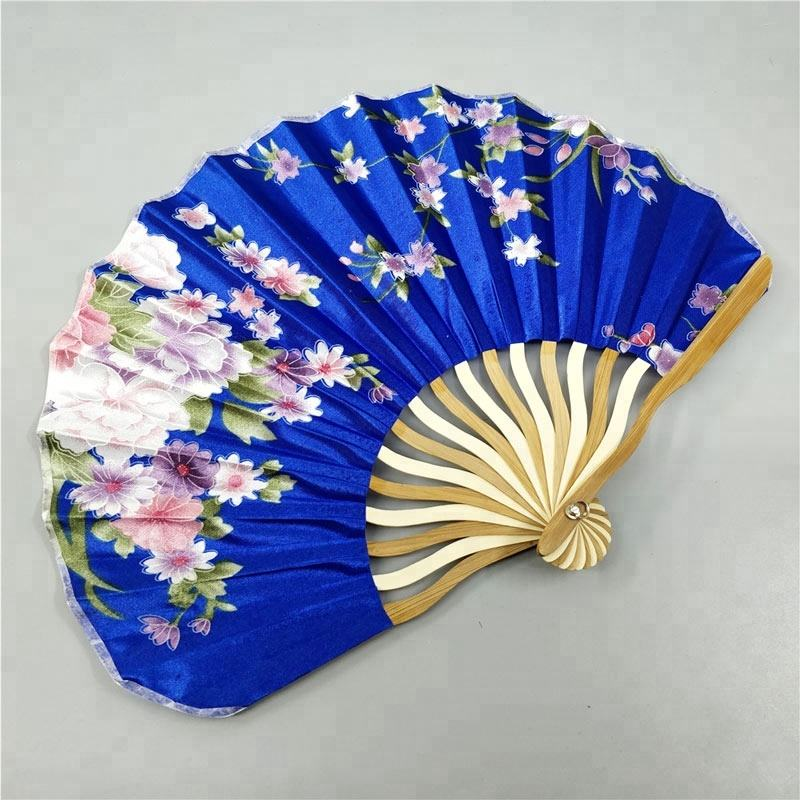 Gepersonaliseerde Chinese Japanse Stof Bloemen Ronde Folding Hand Fan met Gift Bags Wedding Party Supplies