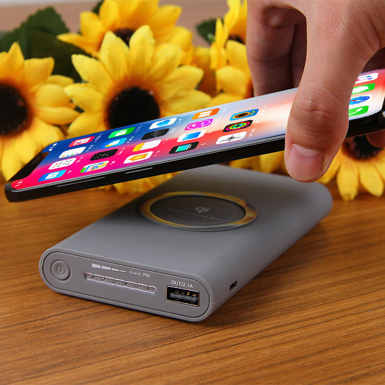 Wholesale Fast Charging Mobile Power bank Fantasy Wireless Charger