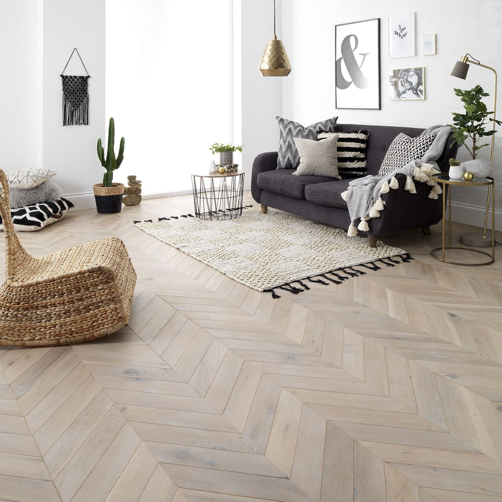 Natural Color Chevron Wood Floor French Oak Fishbone Parquetry Panels Unfinished Board Flooring