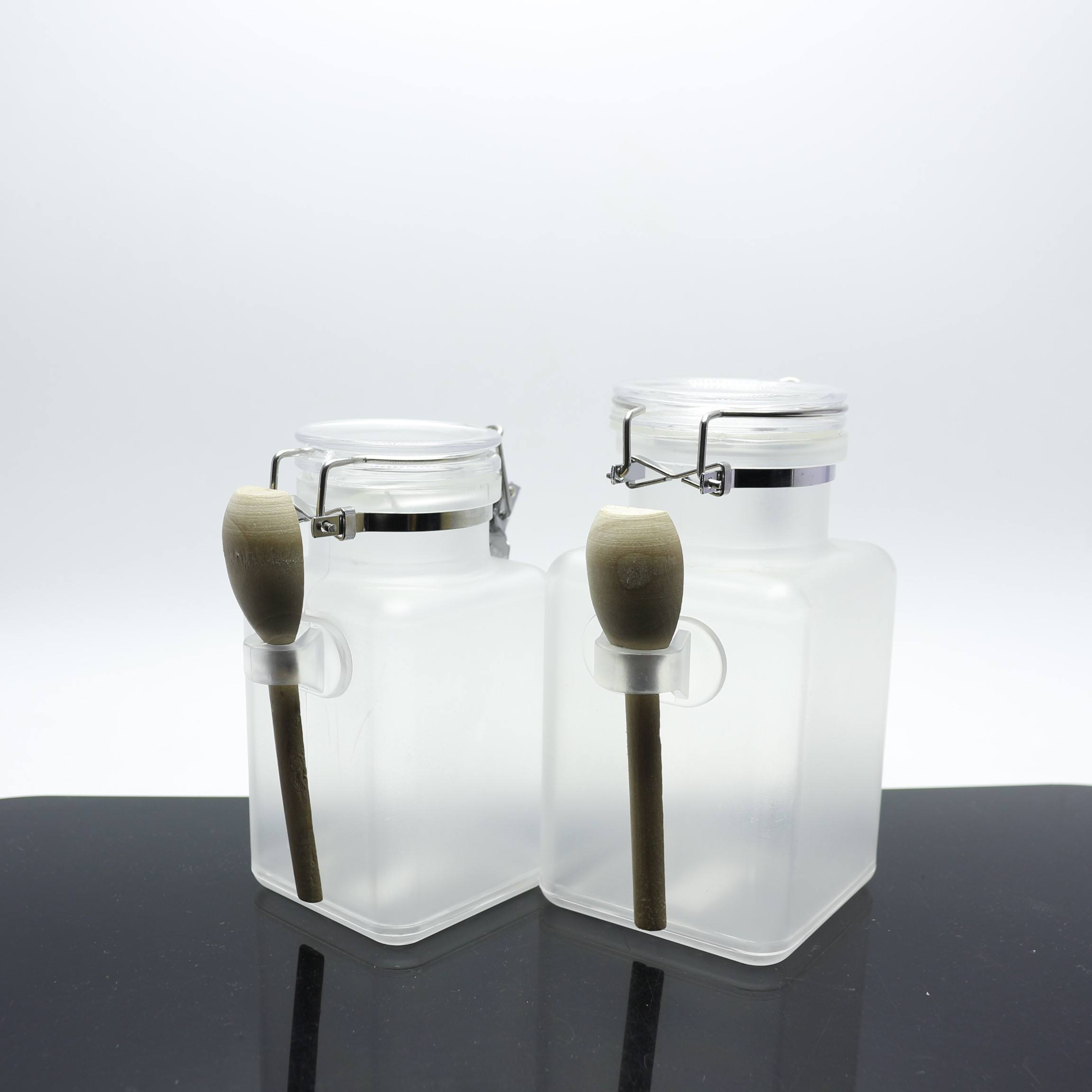 wholesale square 200ml 300ml body scrub bottles bath salt bottle plastic with spoon and cork BS231E