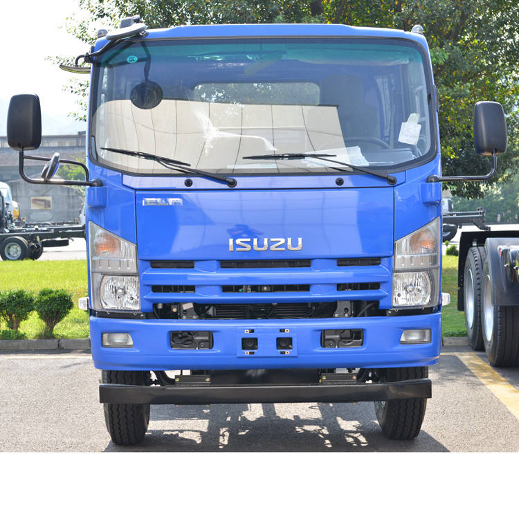 6 wheels Single cab 700P NQR china isuzu chassis